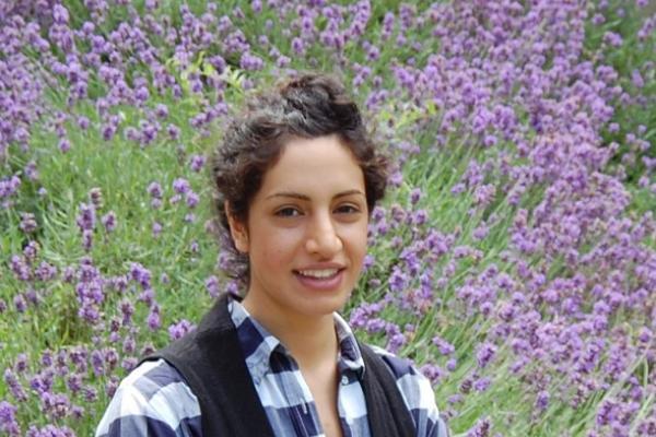 Mandy Izadi