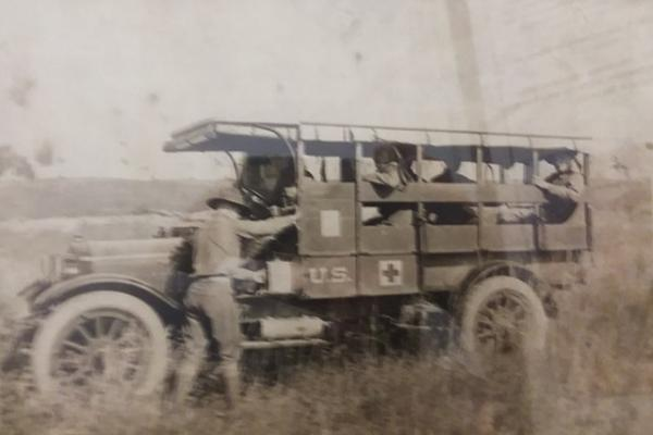 WW1 ambulance